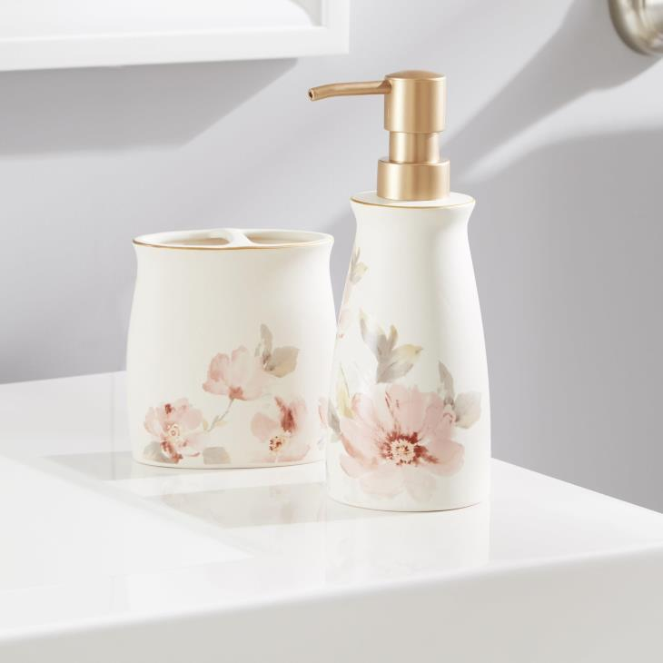 Picture of Misty Floral Toothbrush Holder
