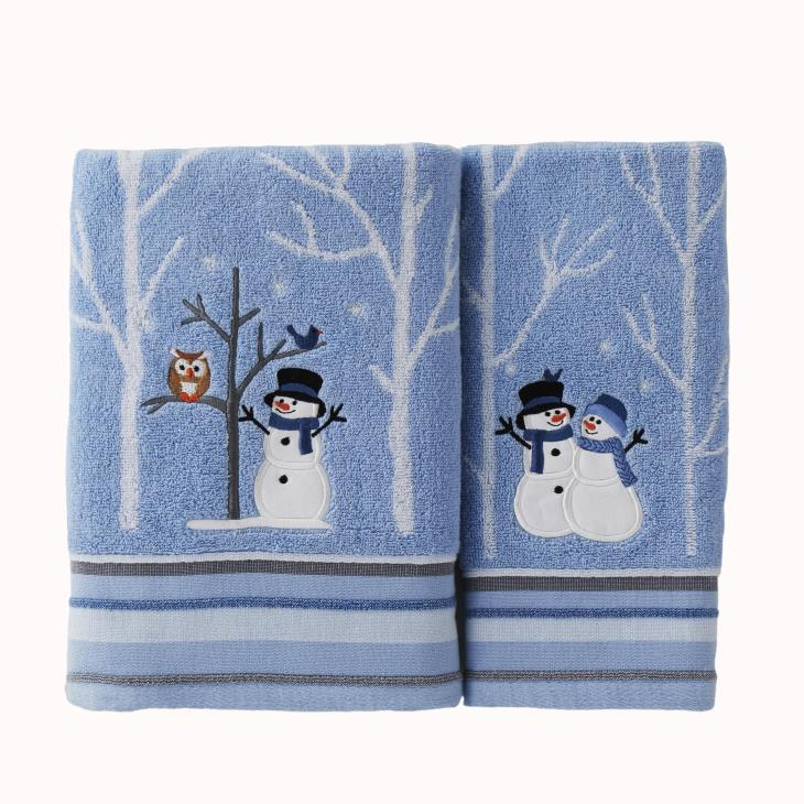 Picture of Winter Friends 2-Piece Hand Towel Set