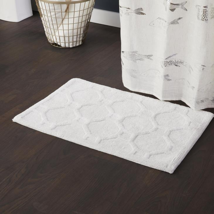 Picture of Bamboo Lattice Bath Rug in Natural