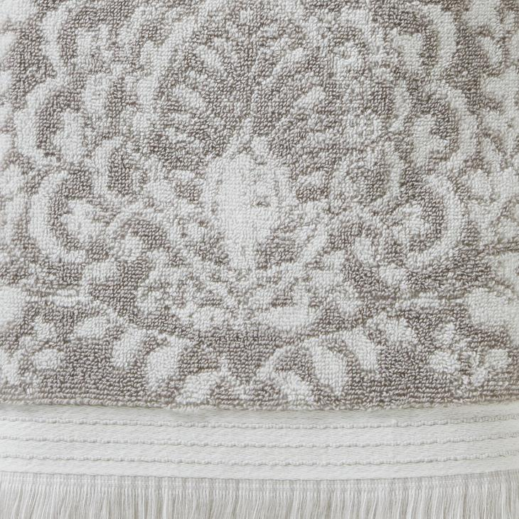 Picture of Carrick Medallion Bath Towel